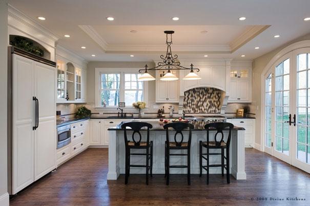 Źródło: http://divinekitchens.com/index.php/newton-victorian-painted-kitchen.html