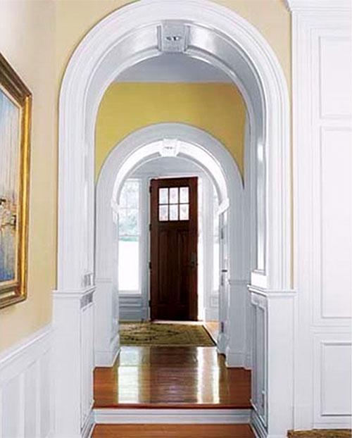 Biel w wejście do holu akcentująca perspektywę wnętrza