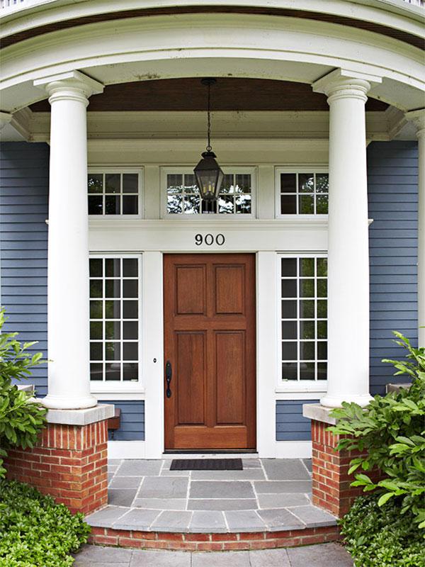 Wyeksponowanie walorów drzwi wejściowych