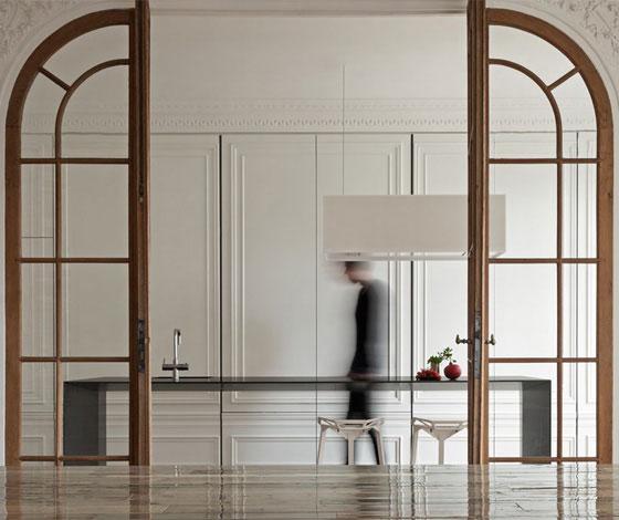 Maskowanie zabudowy kuchennej przesuwanymi drzwiami