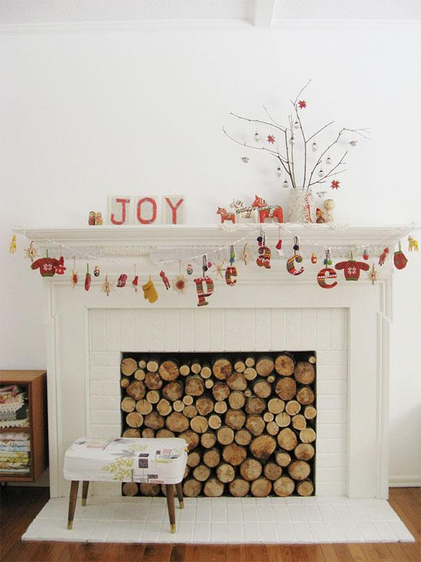 Świąteczna dekoracja kominka