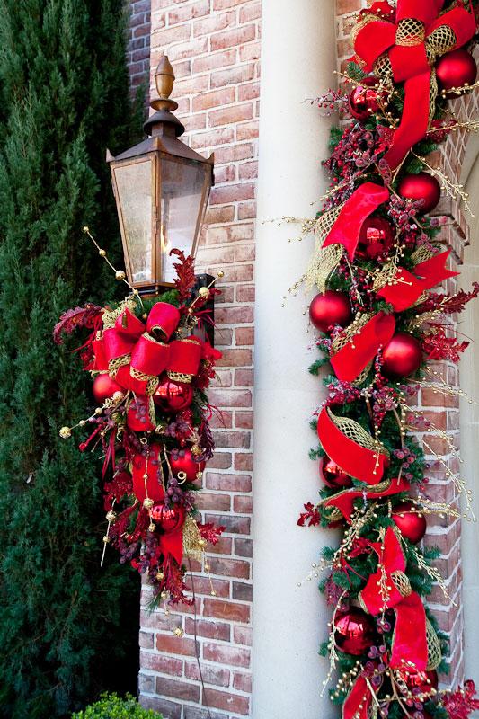 Wykorzystenie girlandów do dekoracji świątecznej