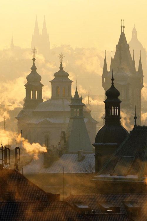 dym z praskich kominów