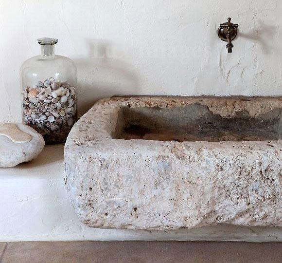 Kamienna umywalka