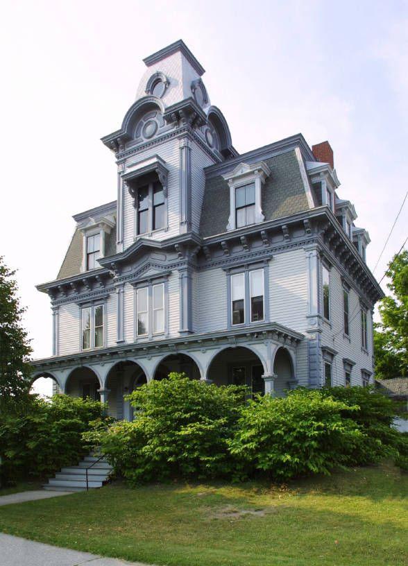 Dom wiktoriański w stylu mansardowym