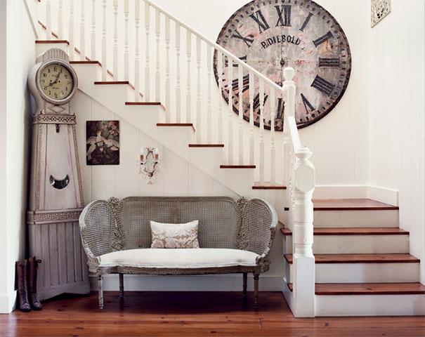 Aranżacja przestrzeni wzdłuż zabiegu schodów