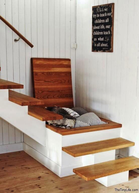 Schowek w schodach z jednym zabiegiem